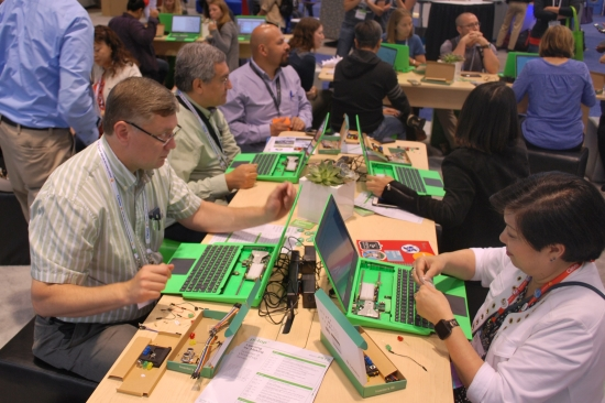 Educators at a pi-top workshop at ISTE2018